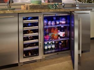 Small beverage Refrigerator