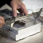 measuring metal